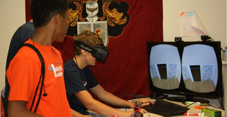 Tyler students using virtual reality simulator