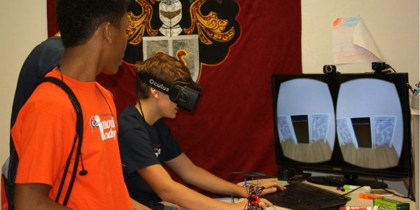 Tyler Students Use Virtual Reality